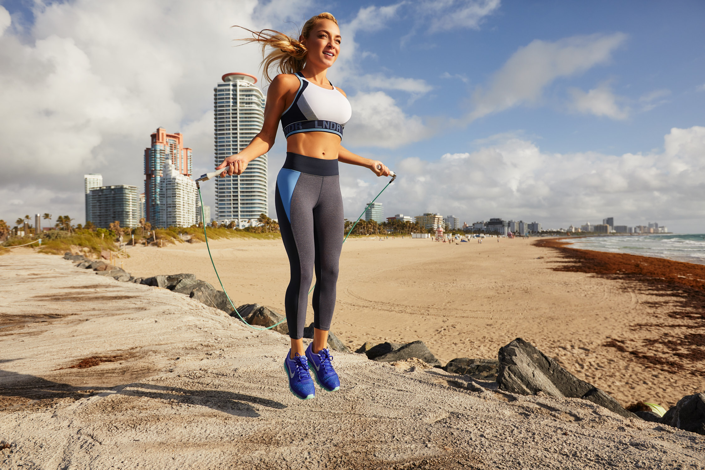 WOMEN'S HEALTH Magazine UK - September 2018 issue, The jump rope has become one of the official go-to sculpting toys of fitness queens Adriana Lima, Kate Hudson & Khloe Kardashian